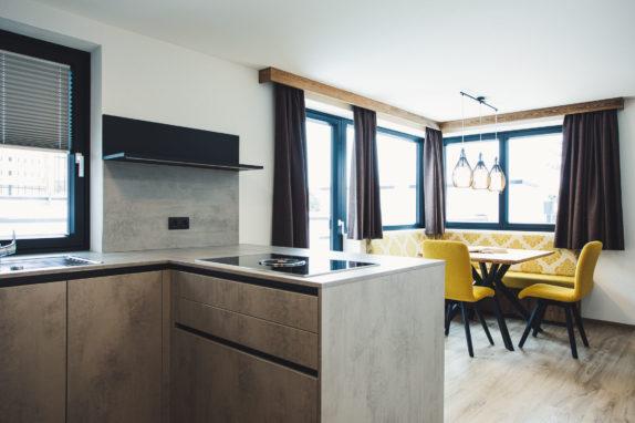 austria aparthotel fiss wohnbereich
