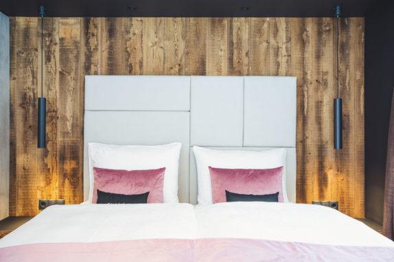 austria aparthotel fiss schlafzimmer