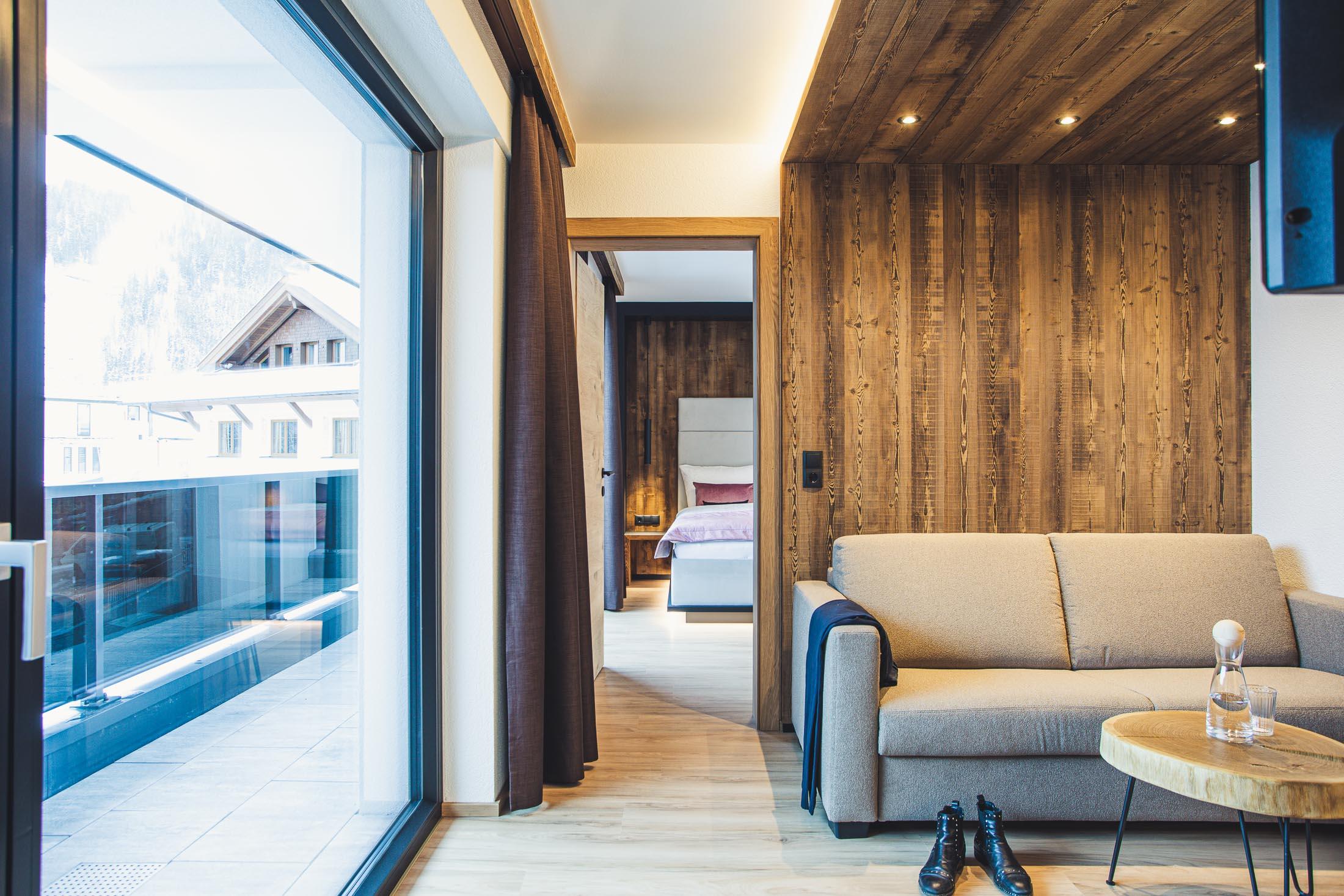 austria aparthotel fiss balkon